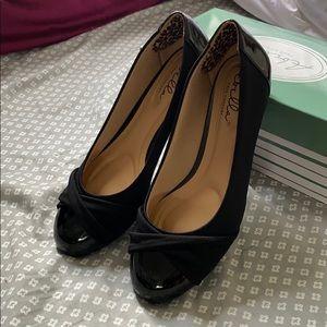 Kitten wedge dress shoe